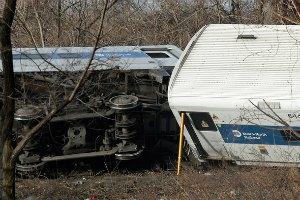 У США двоє людей загинули внаслідок сходження поїзда з рейок