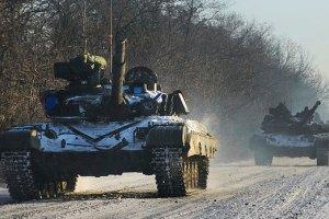 У 93-й бригады в Песках - еще один раненый, стреляли из танков