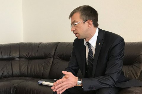 """МИД планирует в 2018 году ввести электронную визу для иностранцев и систему """"ДРУГ"""" для украинцев за рубежом"""