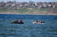 У Миколаєві досі шукають зниклого вночі рибалку