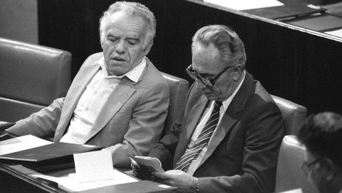 Ицхак Шамир (слева) и Шимон Перес