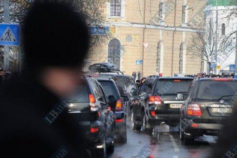 В центрі Києва іноземці влаштували стрілянину під час руху кортежу