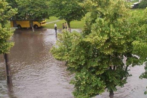 В Киеве завтра +24 и без осадков, в Карпатах готовятся к паводку