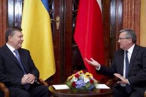 Коморовский призвал Януковича в телефонном разговоре прекратить проливать кровь