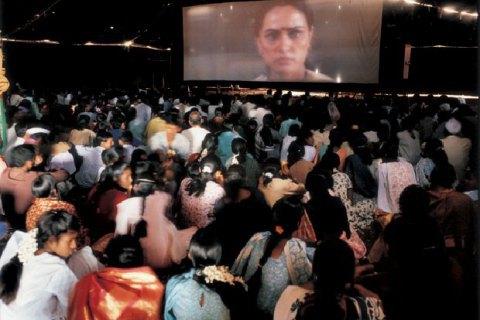 В Індії суд зобов'язав кінотеатри включати гімн перед сеансом