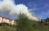 60 туристов эвакуировали с горы Захар Беркут из-за горения сухой травы