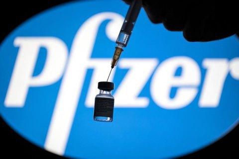Горсовет Одессы заявил, что город получил вакцину Pfizer, Минздрав информацию опроверг