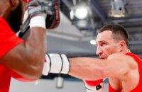 Кличко продемонстрировал, как бьет своих спарринг-партнеров