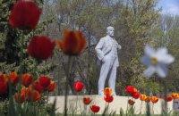 У Росії заарештували на 13 діб чоловіка, який оголився на пам'ятнику Леніну