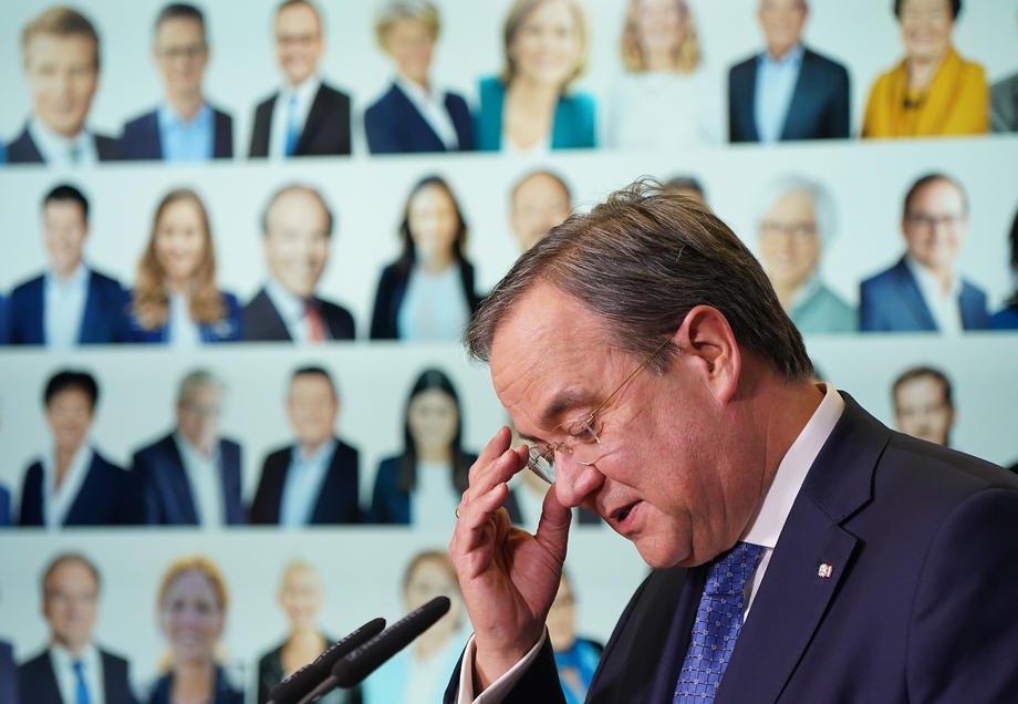 Армін Лашет виступає з промовою в прямому ефірі після підрахунку голосів і його обрання головою партії в штаб-квартирі ХДС у Берліні, 22 січня 2021 р.