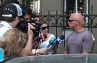 Муж Тимошенко надеется встретиться с ней в понедельник