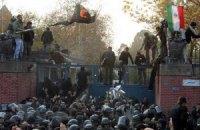 Иранская полиция освободила заложников в посольстве Великобритании