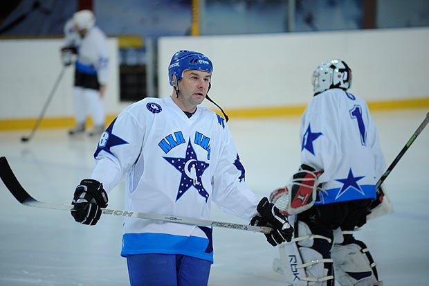 Дмитрий Христич перед матчем, посвященным 22-й годовщине вывода советских войск из Афганистана, февраль 2011 г.