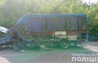 Через зіткнення маршрутки з іномаркою на Вінниччині одна людина загинула, четверо постраждали