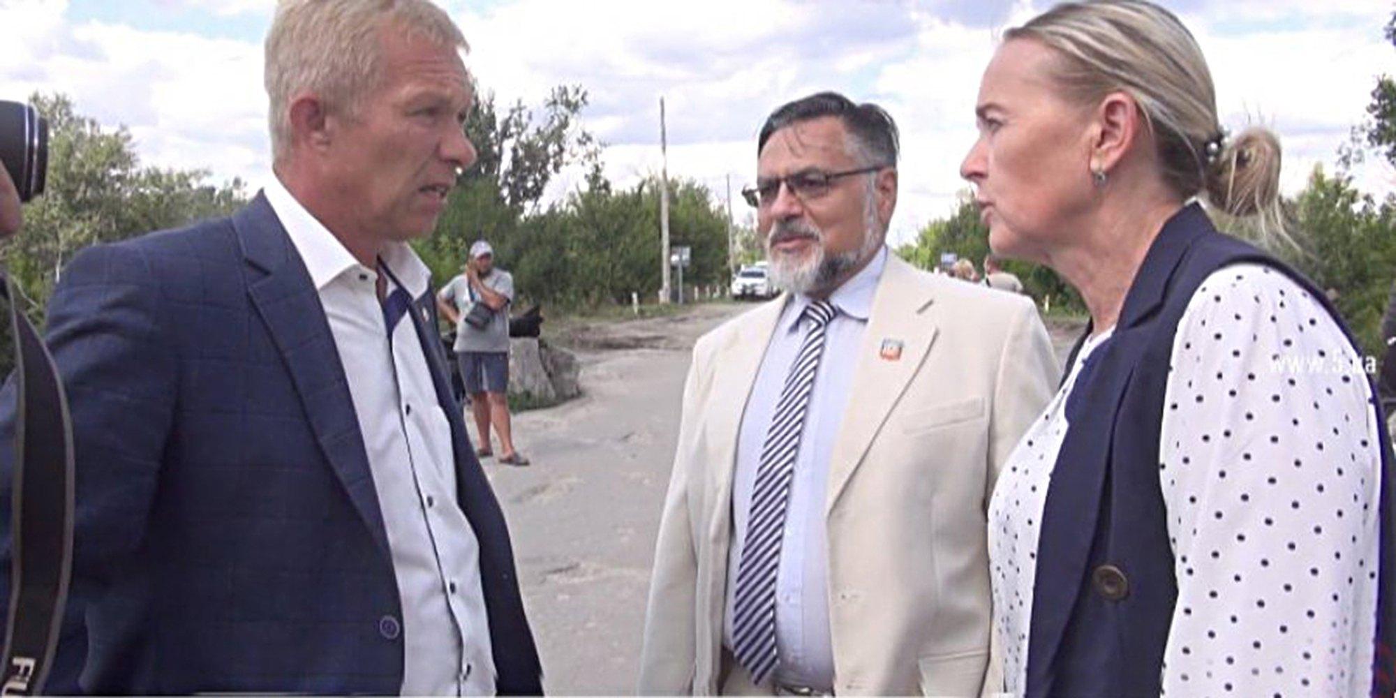 Сепаратисти терористичної так званої ЛНР Дейнего і Копцева безкарно прогулюються на території Станиці Луганської