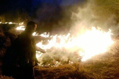 В Житомирской области пожилые супруги погибли из-за сжигания сухой травы
