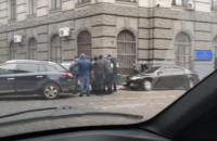 """У Львові поліцейського спіймали на хабарі за спробу """"відмазати"""" призовника від армії"""