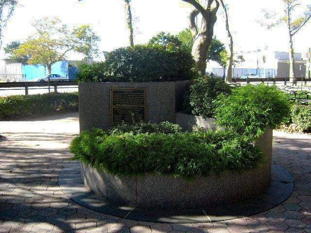 Мемориал в Asser Levy Park