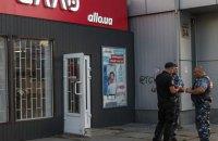У Києві невідомі пограбували магазин електроніки за дві хвилини