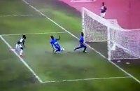 На Кубке африканских наций футболист упустил три голевых момента за 5 секунд