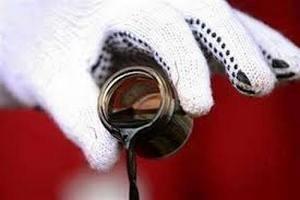 Цена на нефть упала до месячного минимума
