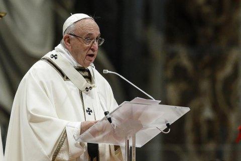 """Папа Римский Франциск назвал потребительство """"вирусом, который разъедает веру"""""""