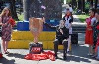 """У містах України пройшла акція """"Совок не пройде"""" проти ініціатив мера Харкова"""