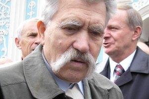 Левко Лукьяненко попал в аварию