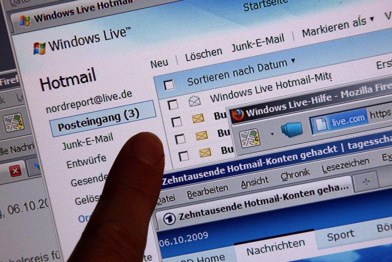Хакеры взломали три почтовых сервиса Microsoft