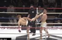 На турнірі з кікбоксингу в Японії боєць завдав приголомшливого удару