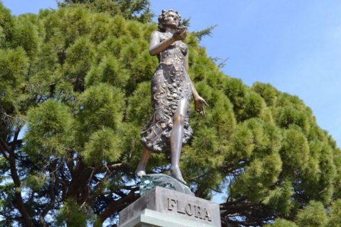 В Никитском ботсаду статую богини Флоры заменят бюстом Ленина