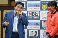 Олімпійській чемпіонці замінять золоту медаль після того, як її нагороду спробував на зуб мер японського міста