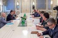 Порошенко: против ВСУ применили новую российскую систему залпового огня
