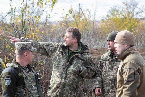 Міністр оборони і начальник Генштабу відвідали Золоте