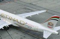 Пилот Etihad Airways умер во время полета