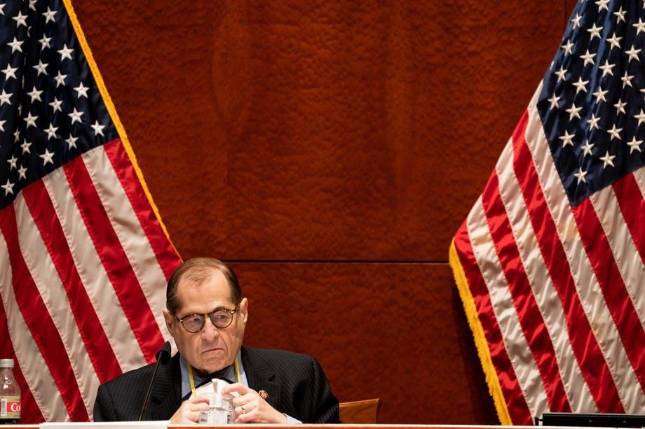 Голова антимонопольного підкомітету Джерролд Надлер під час слухань