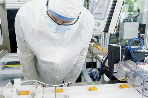 У Китаї на упаковці заморожених продуктів знайшли здатні до зараження частинки коронавірусу