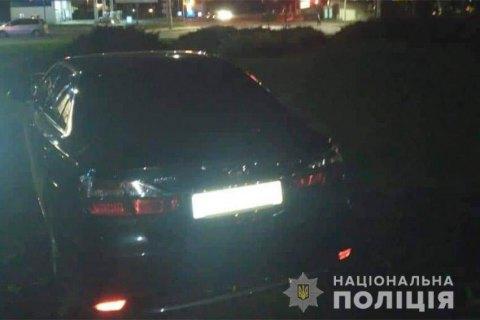 У Хмельницькому затримали чоловіка, який хуліганив і спровокував три ДТП
