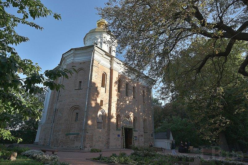 Свято-Михайлівський собор на території Видубицького монастиря