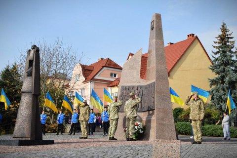 В Ужгороді відкрили меморіал загиблим на Донбасі воїнам