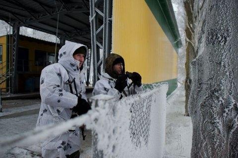 Трое военных ранены за сутки на Донбассе (обновлено)