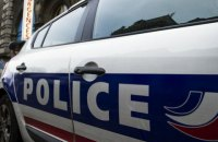 Полиция Парижа застрелила мужчину, напавшего с ножом на прохожих (обновлено)