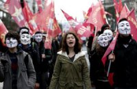 В Турции полиция применила водометы против демонстрантов, критикующих исламизацию школ