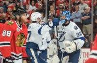 Шайба просвистела в сантиметрах от головы комментатора матча НХЛ