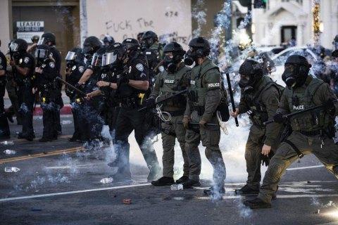 Из-за беспорядков в США погибли трое человек, в 25 городах ввели комендантский час