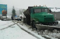 Івано-Франківську область засипало снігом