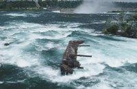 Шторм зрушив до Ніагарського водоспаду баржу, яка застрягла на скелях понад століття тому