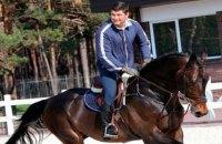 Беглый экс-регионал Онищенко устраивает в Германии конные турниры