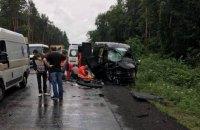 У великій ДТП біля Львова загинула людина, ще вісім опинилися в лікарні