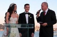 """Ердоган став свідком на весіллі гравця лондонського """"Арсеналу"""""""
